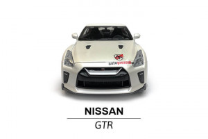 Model Nissan GTR w skali 1 do 24