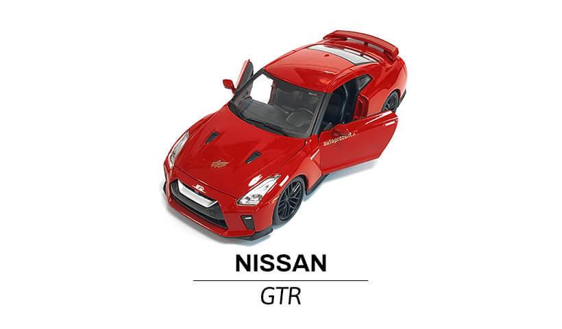 Nissan GTR modelik 1:24 przód