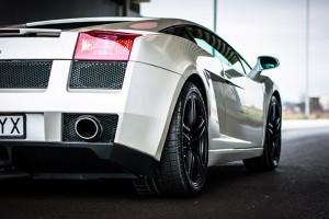 Jazda Lamborghini Gallardo ulicami miast