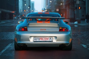 Jazda Porsche 911 gt3 996 ulicami miast