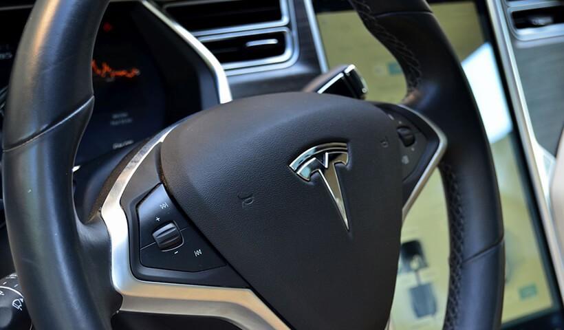 Tesla s85 - kierownica