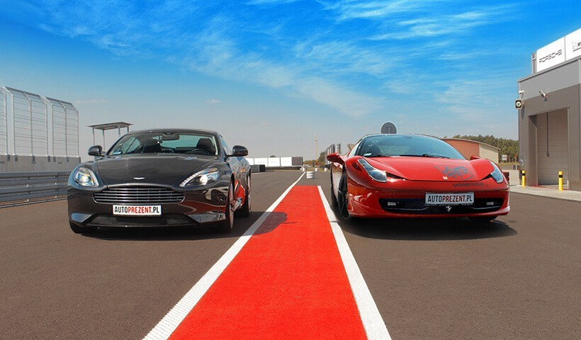 Aston Martin i Ferrari 458 Italia