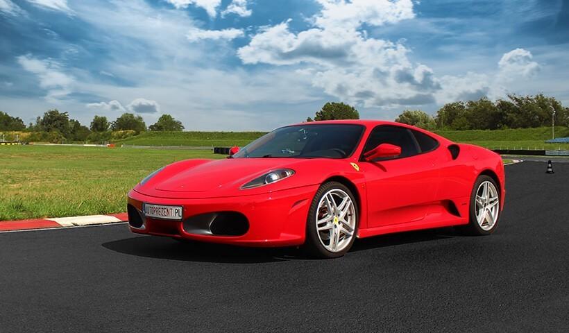 Przód samochodu Ferrari F430