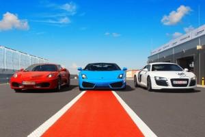Sportowe samochody na torze Silesia Ring