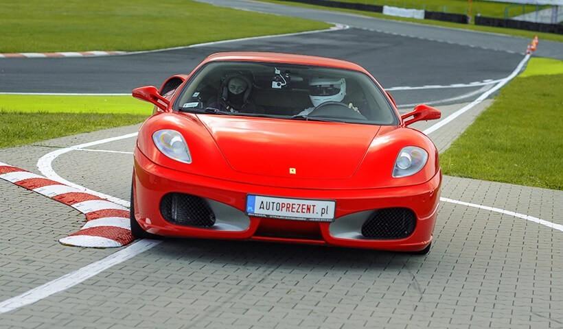 Ferrari F430 zjazd z toru