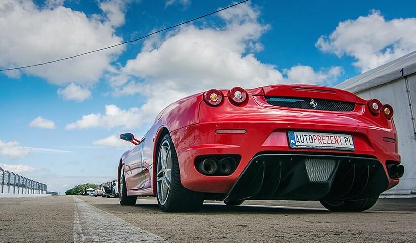 Ferrari F430 od autoprezent