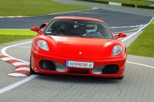 f430 na evencie autoprezent