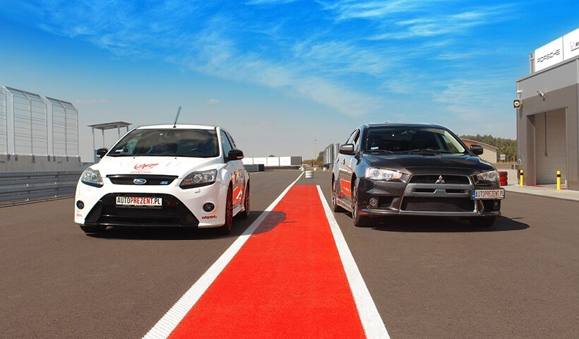 Pojedynek Focus RS vs Mitsubishi Lancer