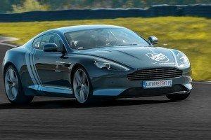 Aston DB9 z boku