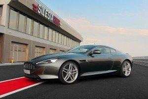 Aston Martin DB9 na torze Silesia RIng