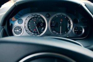 Zegary Aston Martin DB9