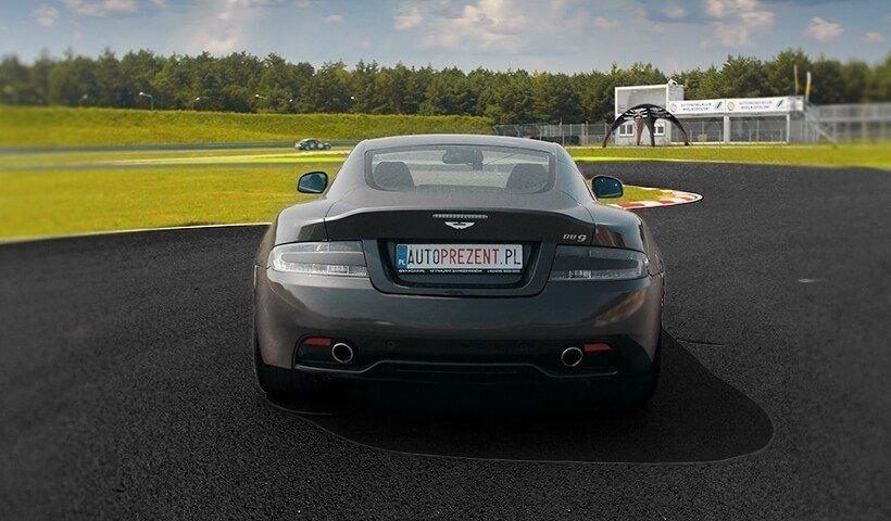Tył samochodu Aston Martin DB9