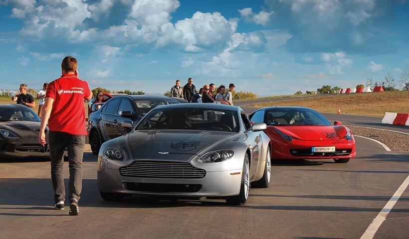 Aston Martin Vantage na evencie