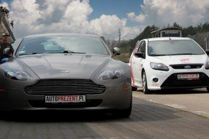 Aston Martin Vantage  i Focus RS
