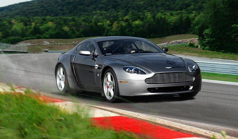 Aston Martin Vantage w akcji na torze