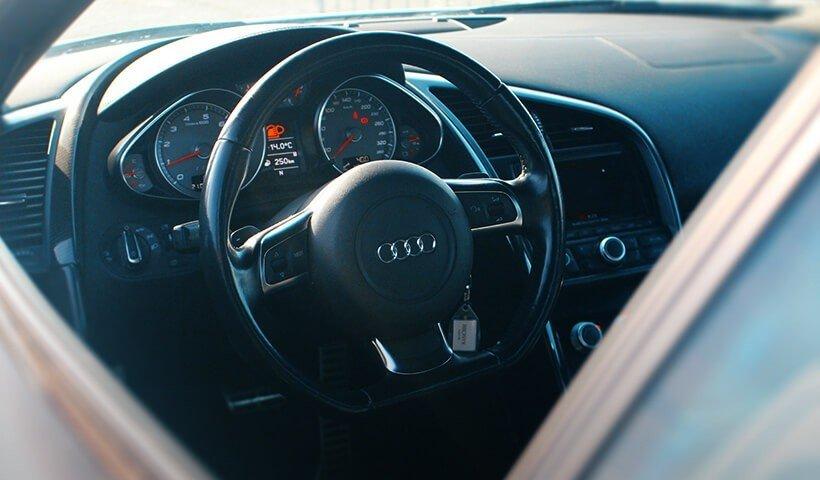 Kierownica Audi R8 V8