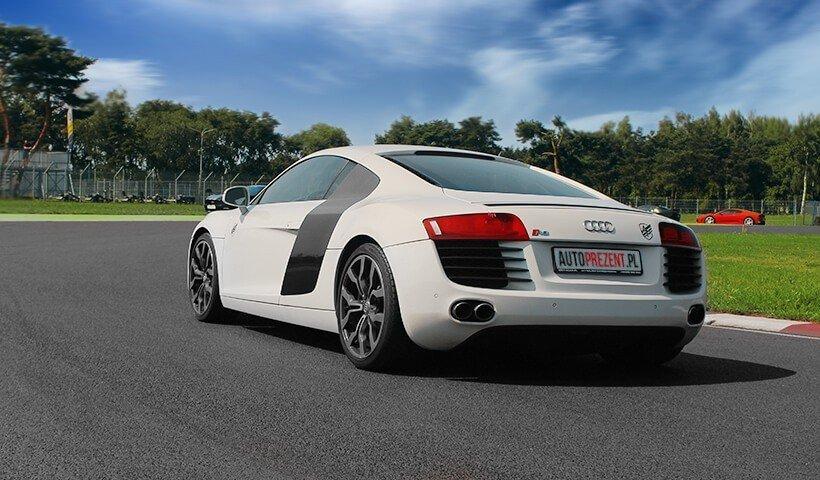 Audi R8 V8 tył samochodu