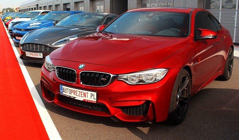 BMW M4 przód samochodu