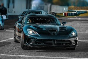 Viper GTS na evencie motoryzacyjnym