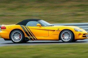 Dodge Viper SRT-10 żółty na torze