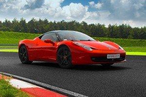 Ferrari 458 Italia na torze