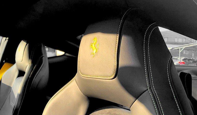 siedzenie w Ferrari F12