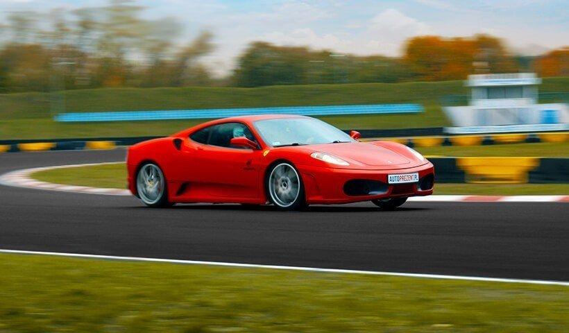 Ferrari F430 jazda po torze wyscigowym