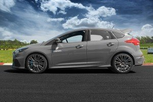 Ford_Focus_RS_mk3 z boku