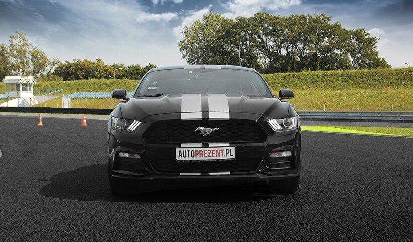 przód Forda Mustanga