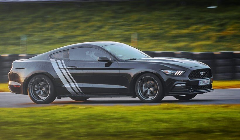 Jazda po torze Ford Mustang