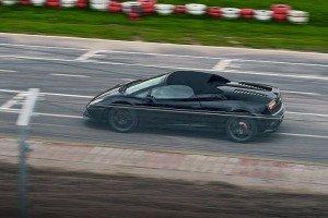 Czarne Lamborghini na torze