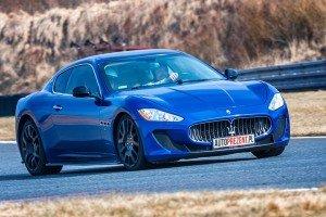 Maserati_GT_MC  na torze wyścigowym