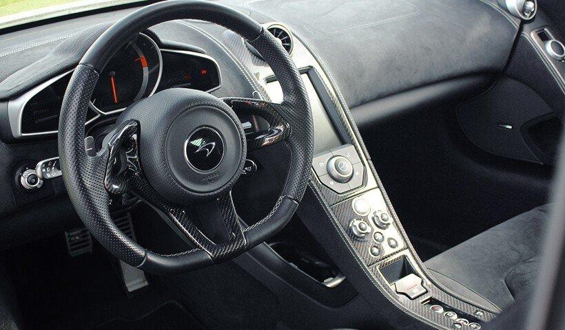 Kierownica McLarena